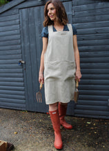 Load image into Gallery viewer, Pinafore Apron