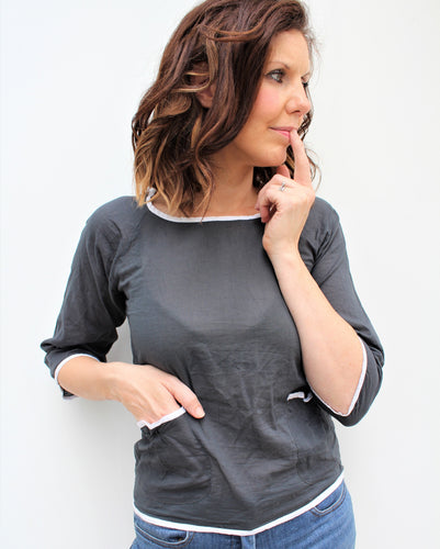 Amie - cotton top with contrast detail and pockets