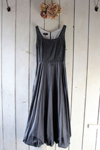 Load image into Gallery viewer, Paris - cotton long dress with bubble hem