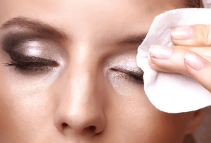 Makeup Wipes - Why They're Bad For Your Skin
