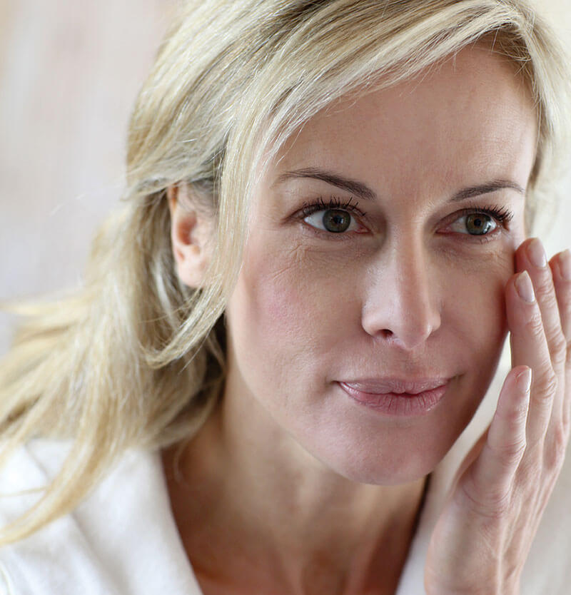 Essential Skincare Products For Your 40s