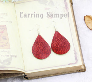 Sampel of the Leather Teardrop Earring
