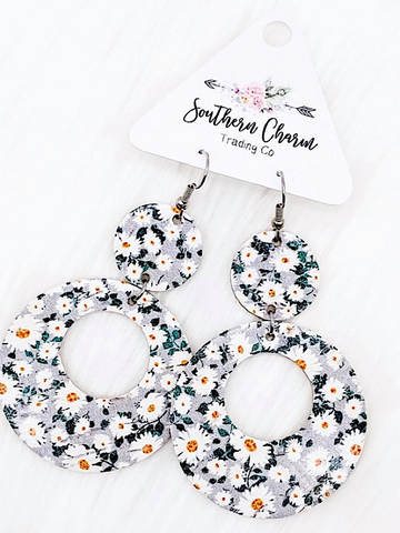 *Restocked* Daisy O Earrings