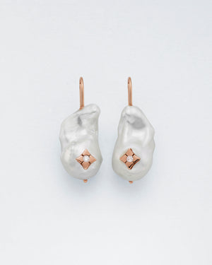Baroque Clover Inlay Earrings