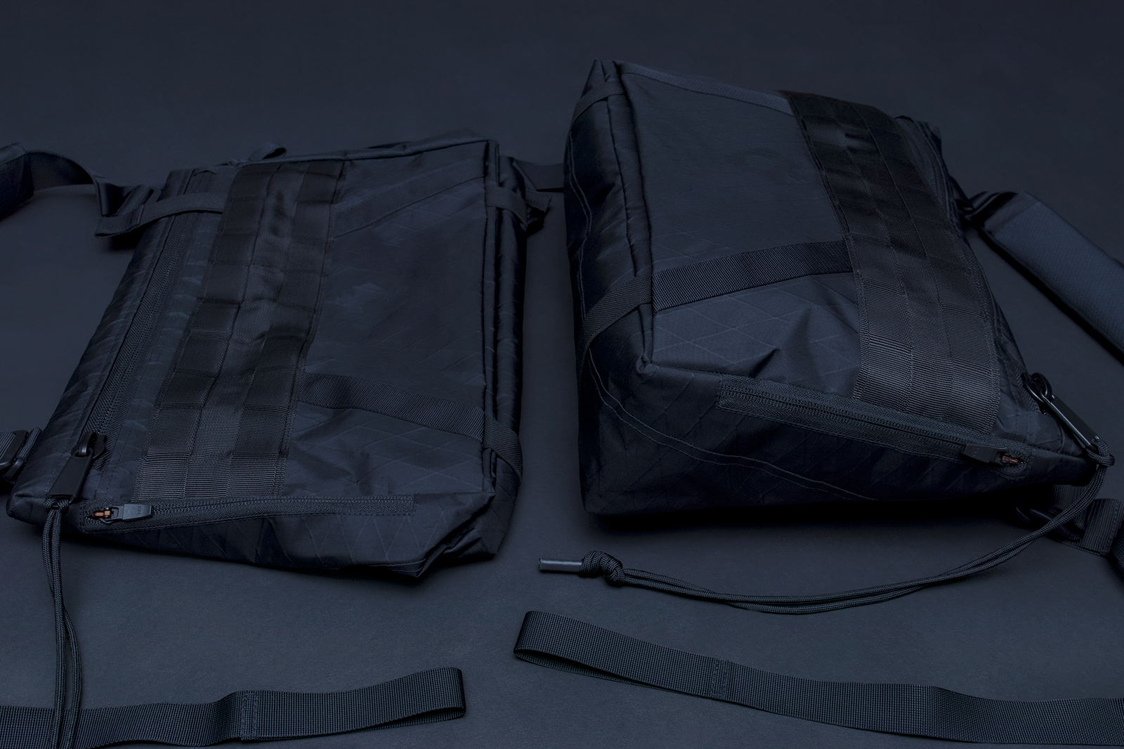 LEFT: COMPRESSED BAG ––––––––––––– RIGHT: FULLY EXPANDED BAG