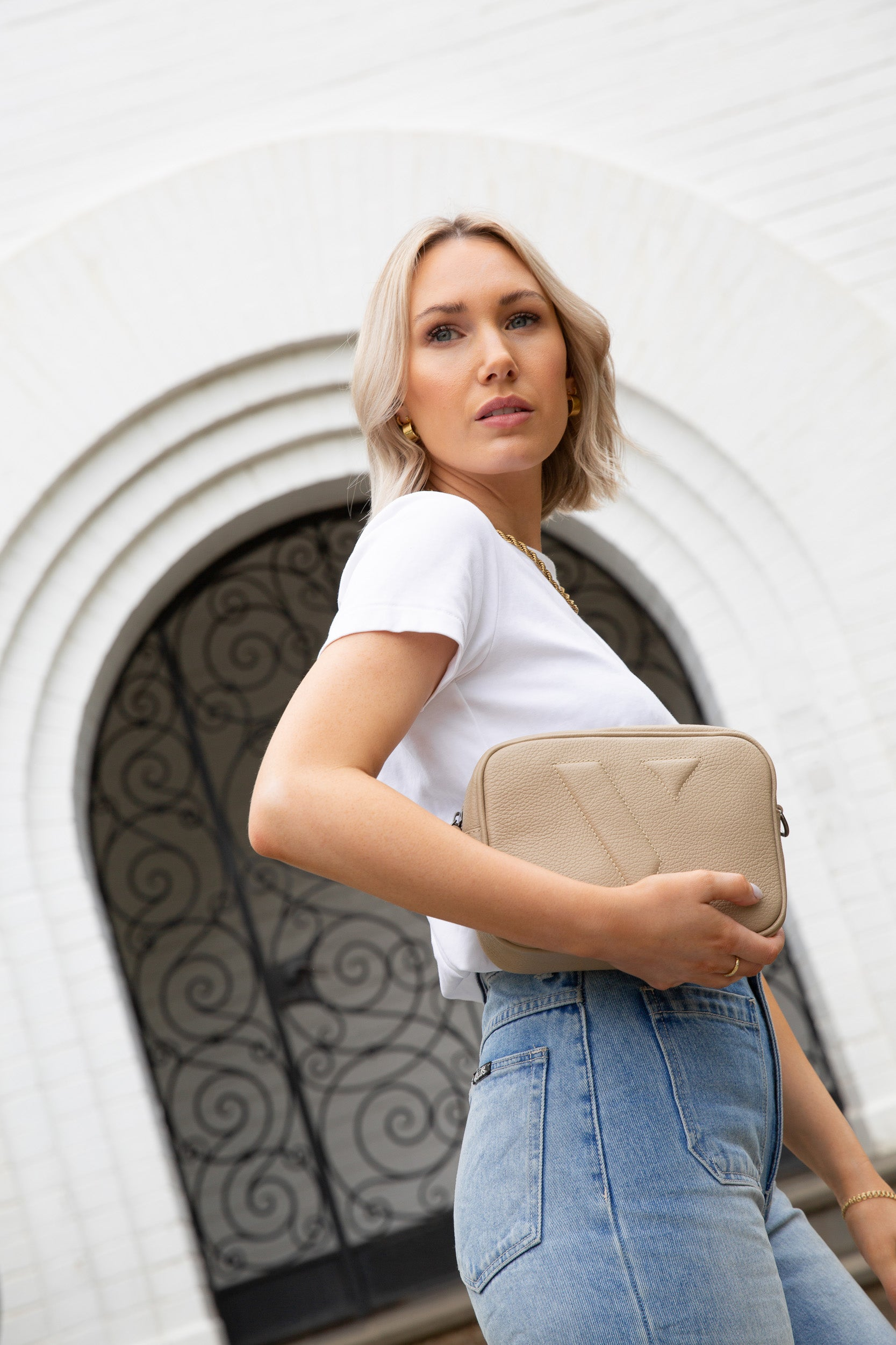 VESTIRSI VANESSA CROSSBODY BAG IN BEIGE WORN AS CLUTCH