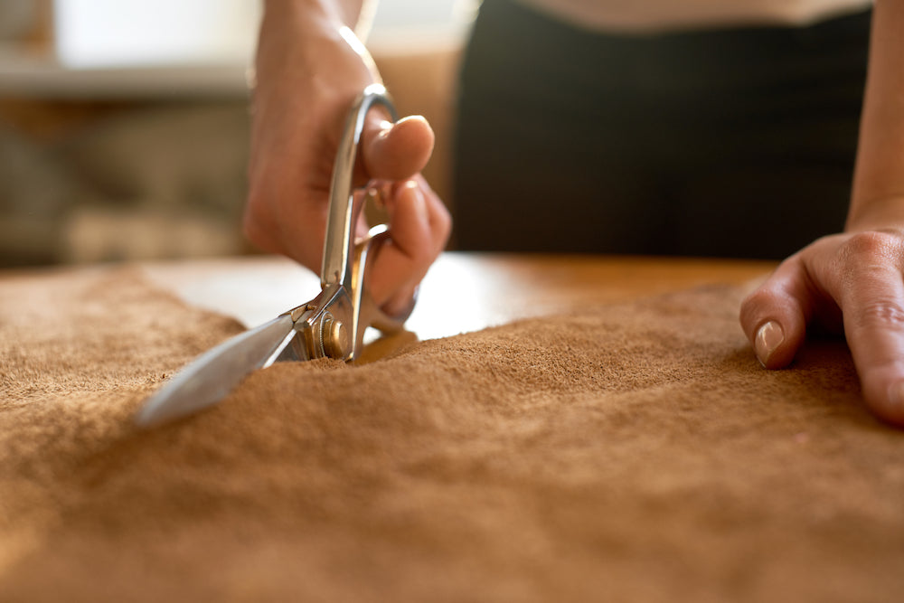 ITALIAN LEATHER BEING CUT