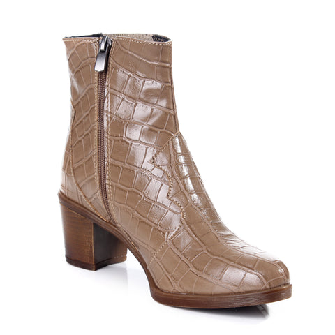 Women winter boots / genuine leather 100 %