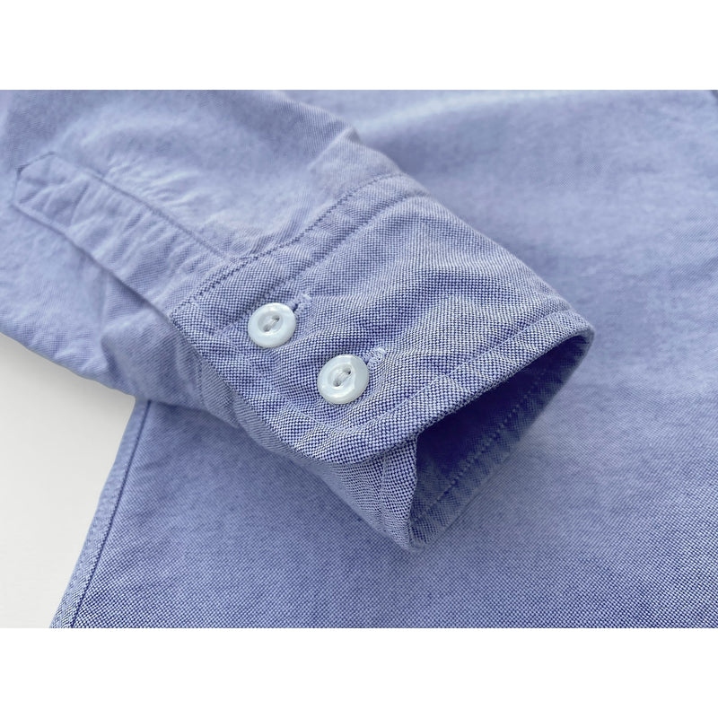 Aristocrat Shirt: Double-button rounded cuffs.
