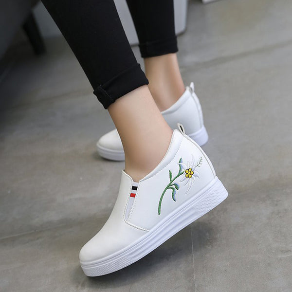 Embroidery Slip-On Women's Sneakers