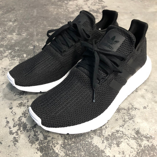 Adidas Swift Run CBlack/Cblack/Ftwht