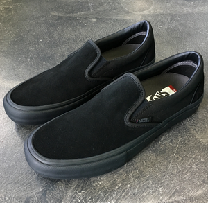 30076eaeb517c6 Vans Slip On Pro Blackout – 561 Skate