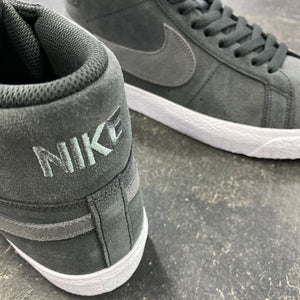 Nike SB Blazer Mid Off Noir/Iron Grey