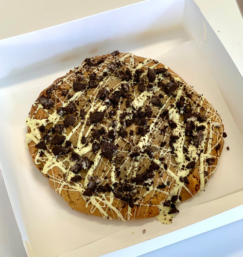 Giant Oreo & White Choc Cookie