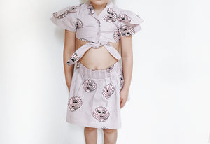 Hugo Loves Tiki Tie Crop Top - Pink Seashells