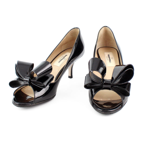 Valentino Bow Black Patent Leather Pumps sz 35.5 / 5.5