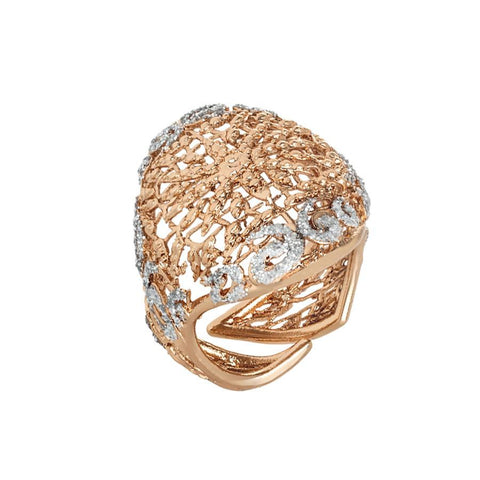 Ring with decoration in glitter