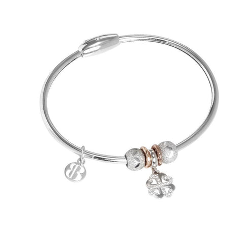 Bracelet with charm in the shape of a four-leaf clover in zircons
