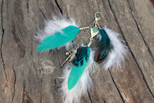 Load image into Gallery viewer, Feather Clip-on - Turquoise