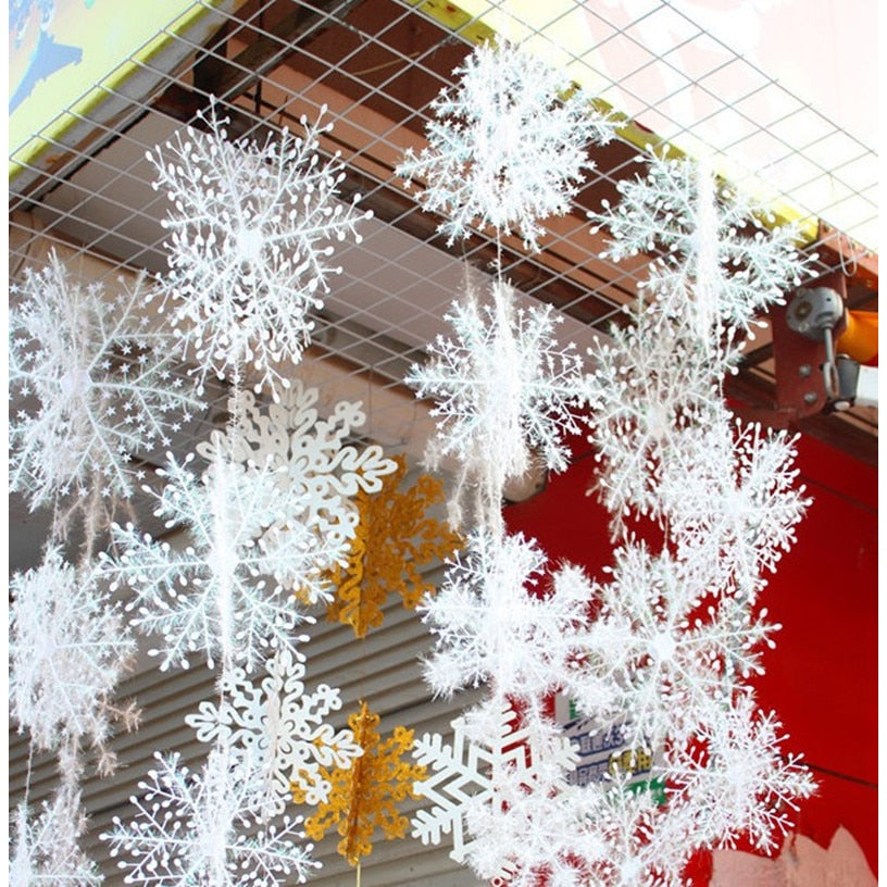 Top Selling 30pcs White Snowflake Hanging Pendants for Garden Decoration
