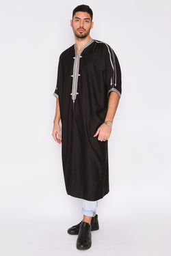 Gandoura Faiz Embroidered Collarless Short Sleeve Men's Cropped Robe Thobe in Black