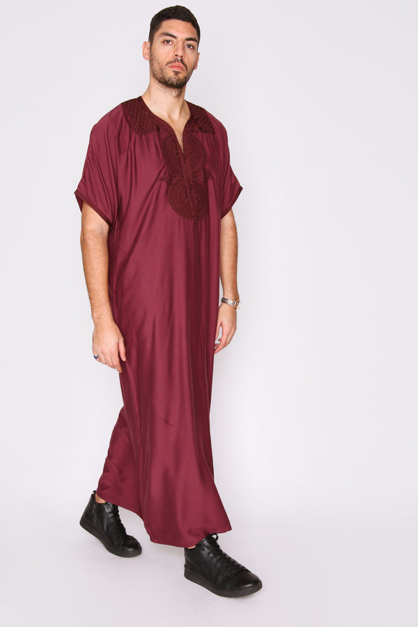 Gandoura Idriss Men's Embroidered Short Sleeve Full-Length Robe Thobe in Burgundy