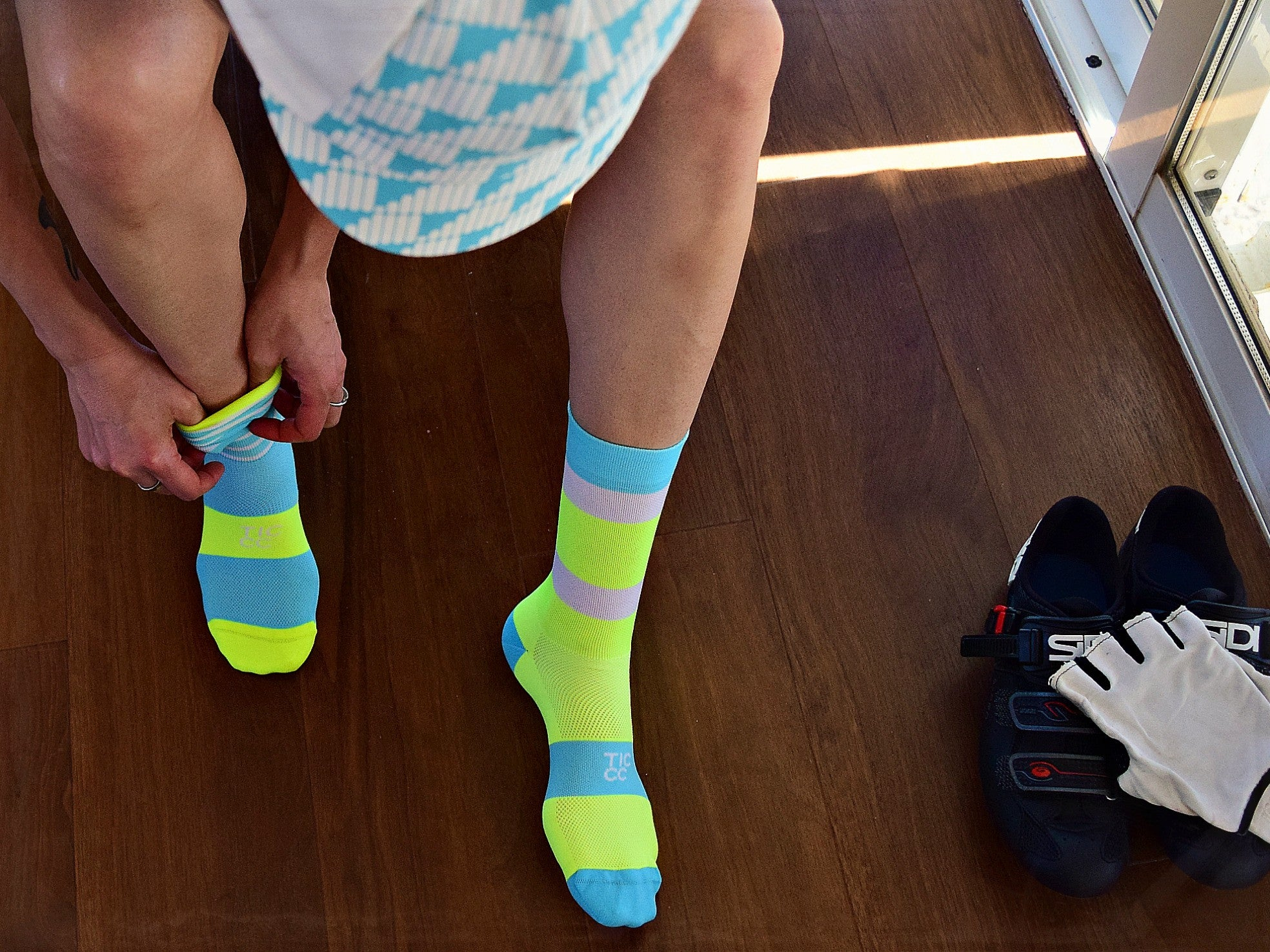TIC Turquoise/ Yellow À Bloc Socks | The CyclingTips Emporium - 4