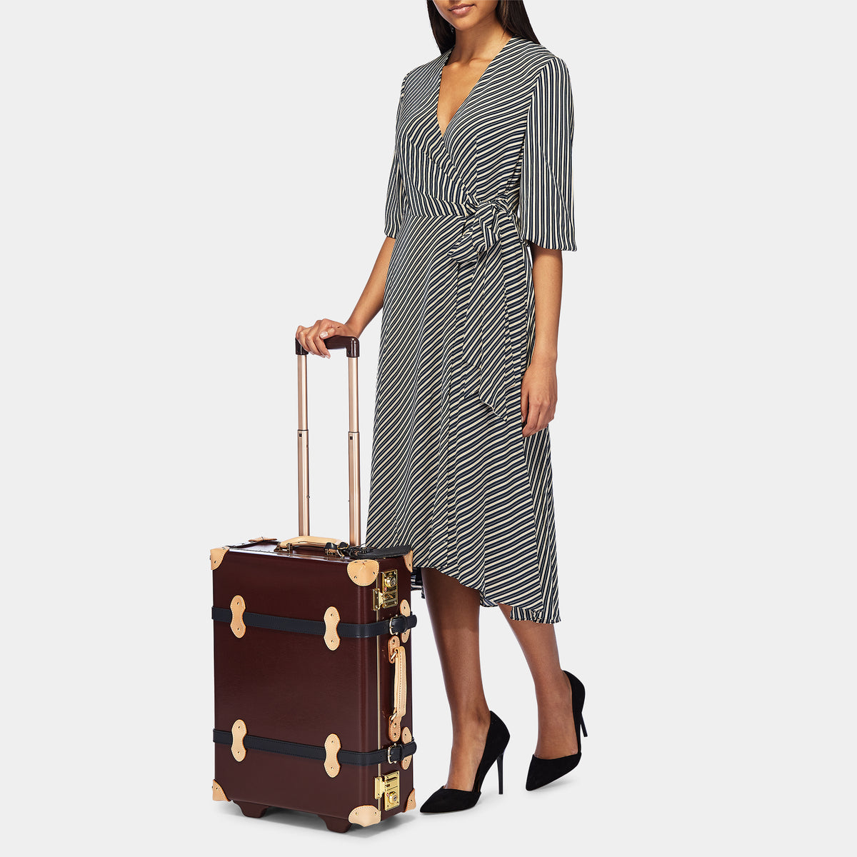 The Architect Carryon in Burgundy - Vintage Style Leather Case - Exterior Front with Model