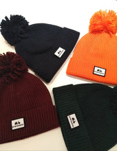 Load image into Gallery viewer, CLASSIC BOBBLE HAT