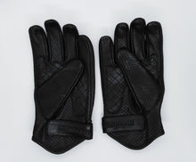 Load image into Gallery viewer, JUSTINTOSCOOTERS AIR SCOOTER ITALIAN LEATHER SCOOTER GLOVES