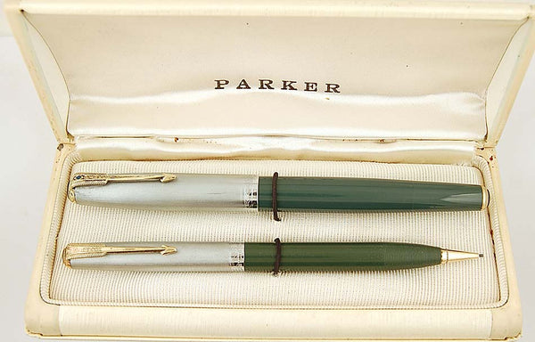 Parker 51 Vacumatic Pen & Pencil Set in Nassau Green - Fine nib