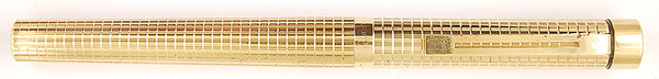 Sheaffer Targa 1007 in gold plated Geometric design - Medium nib