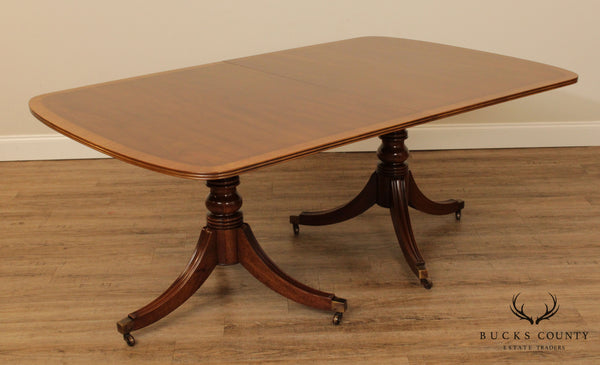 Henredon 18th Century Portfolio Collection Walnut Banded Duncan Phyfe Dining Table
