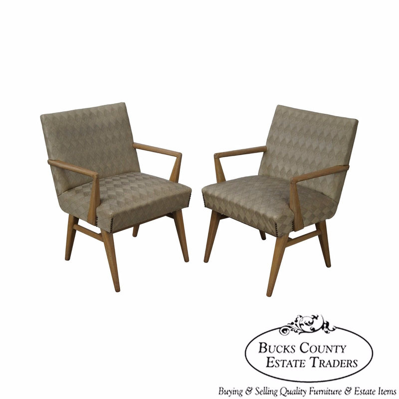 Mid Century Modern Pair of Russel Wright Design Lounge Arm Chairs (A)
