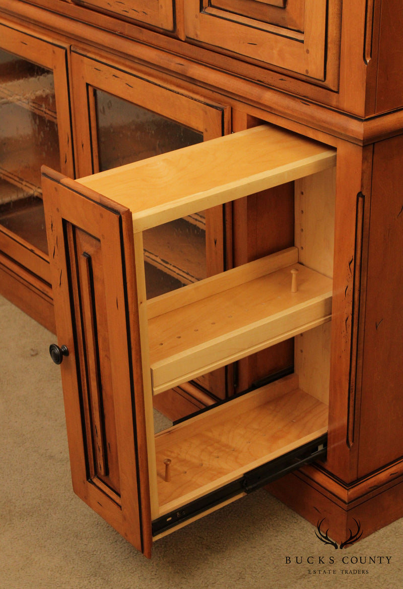 Quality Country Style Maple Entertainment TV Cabinet