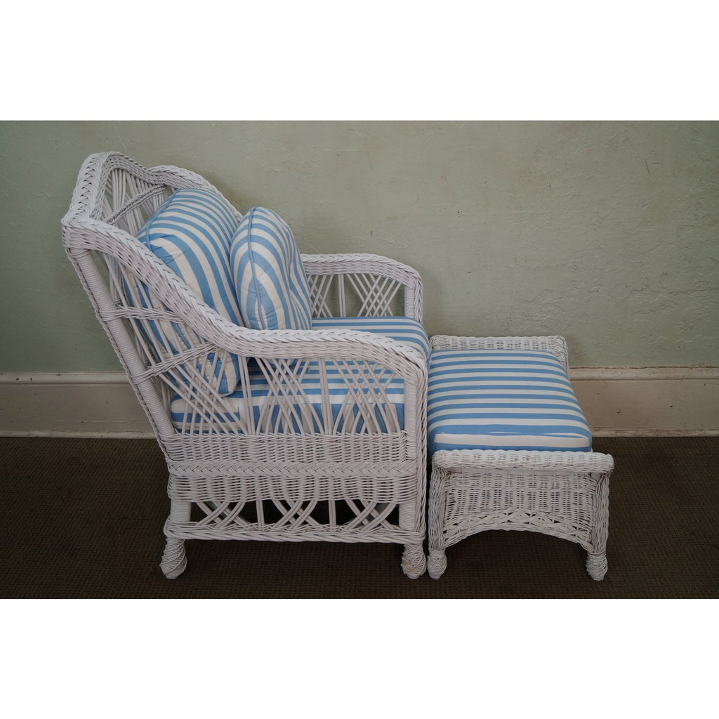 Astounding Quality Victorian Style White Wicker Lounge Chair W Ottoman Inzonedesignstudio Interior Chair Design Inzonedesignstudiocom