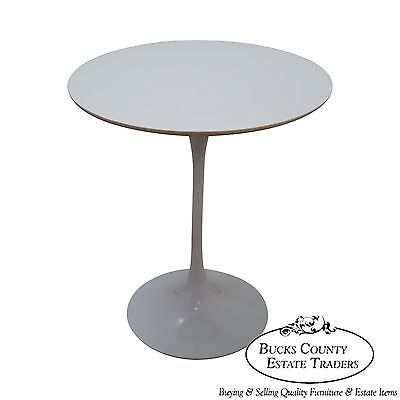 Eero Saarinen Mid Century Modern Round White Tulip Base Side Table
