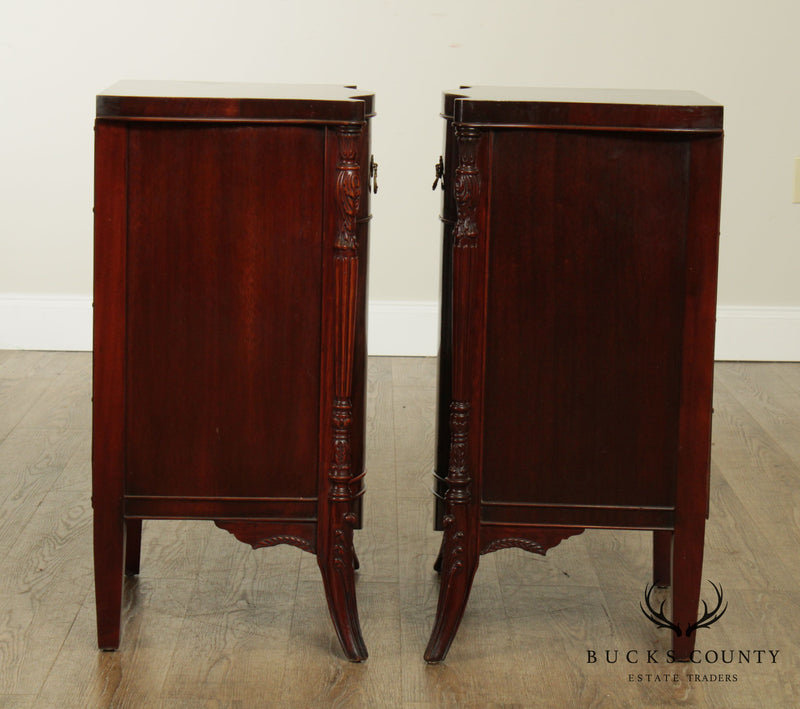 Carlton House French Régence Style Vintage 1940's Flame Mahogany Pair Nightstands