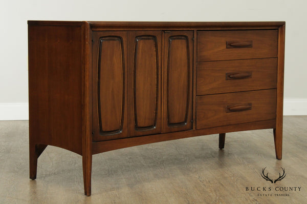 Broyhill Premier 'Emphasis Collection' Mid Century Modern Walnut Dresser