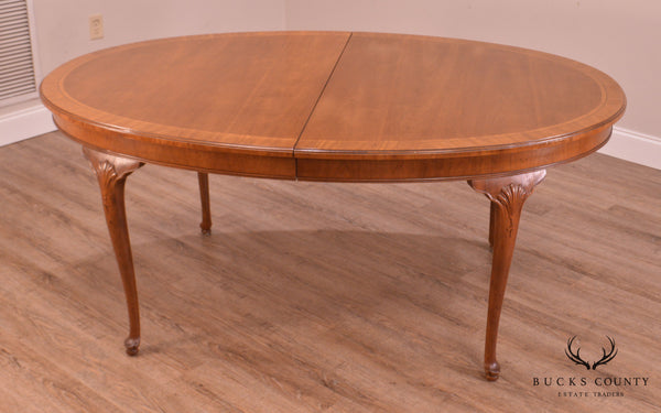 Henredon 18th Century Portfolio Collection Oval Walnut Queen Anne Dining Table
