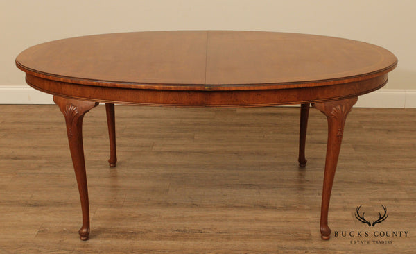 Henredon 18th Century Portfolio Collection Walnut Oval Queen Anne Dining Table