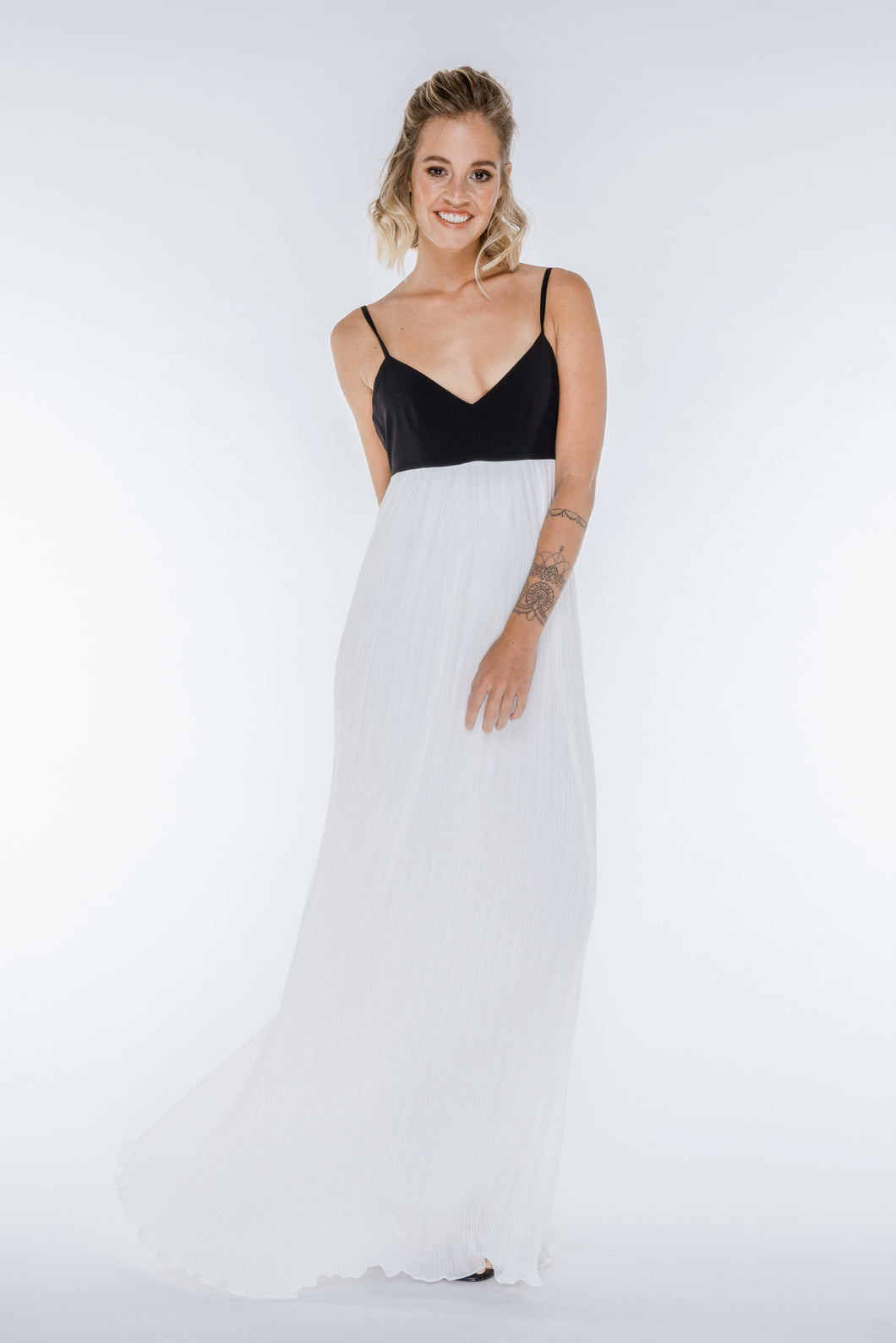ANNA Pleated Black and White Maxi Dress