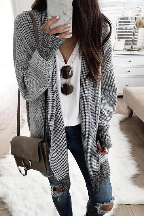 Dreamfitting Grids Labyrinth Black & White Sweater Coat