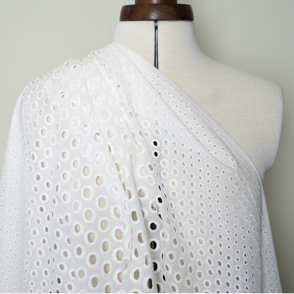 Broderie Anglaise - White Circles