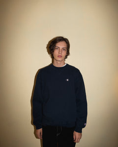 Vintage Champion Navy Sweatshirt (L/XL)