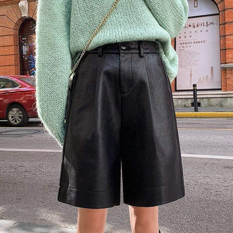 VEGAN FAUX LEATHER SHORTS