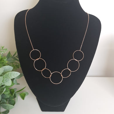 POM Rose Gold Wire Linked Hoops Necklace