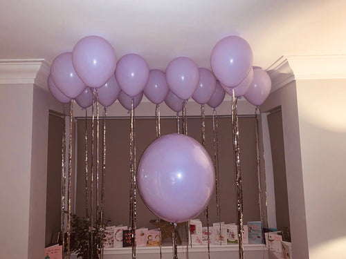 10 x latex ceiling balloons with streamer