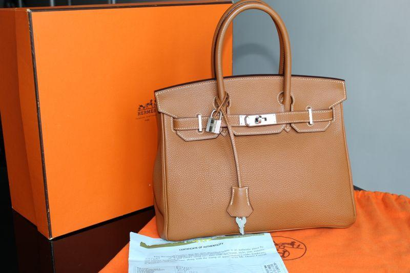 Load image into Gallery viewer, Hermès Birkin 35 Bag Gold Togo PHW Load image into Gallery viewer, Hermès Birkin 35 Bag Gold Togo PHW Hermès Birkin 35 Bag Gold Togo PHW