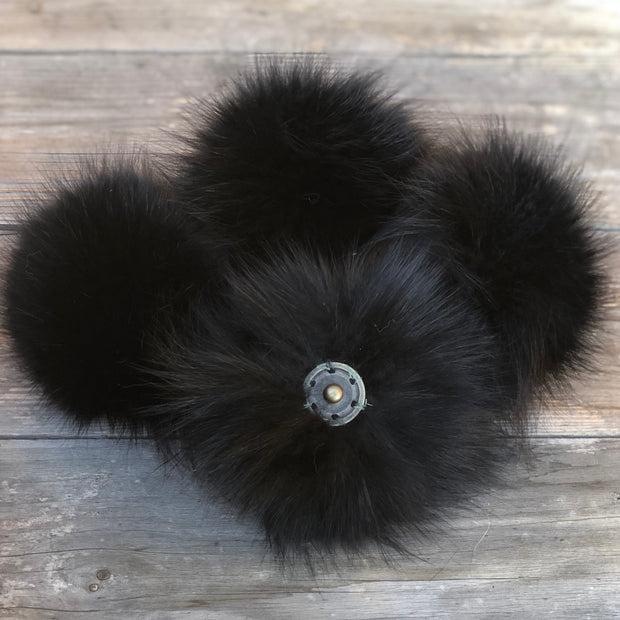 SPECIAL EDITION Black Fox Pom